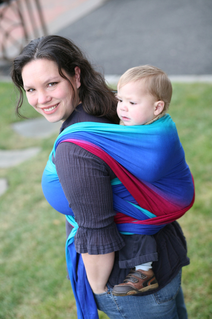 Wrapsody Hybrid MEIRA Stretch Wrap; Double Hammock Back Carry; Image sourced from 5mr.com